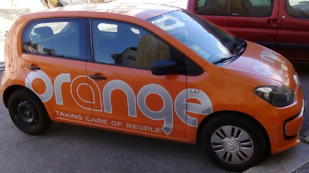 Orange bil